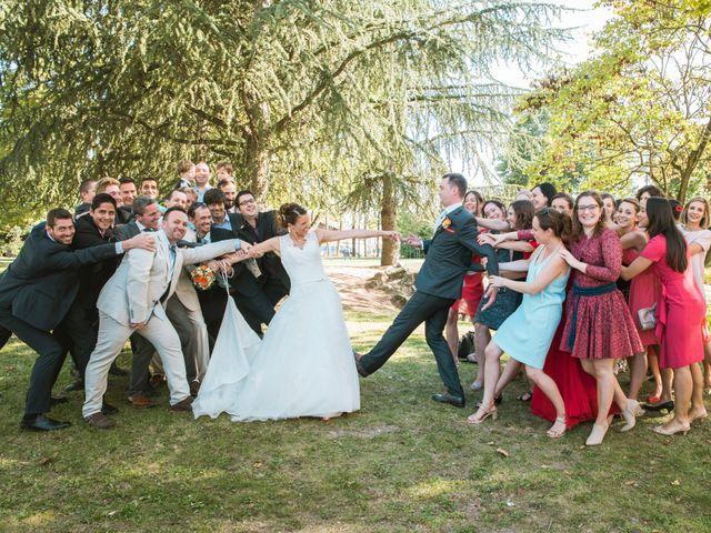 Le mariage de Xavier et Adeline à Charly, Rhône 32