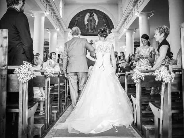 Le mariage de Xavier et Adeline à Charly, Rhône 33