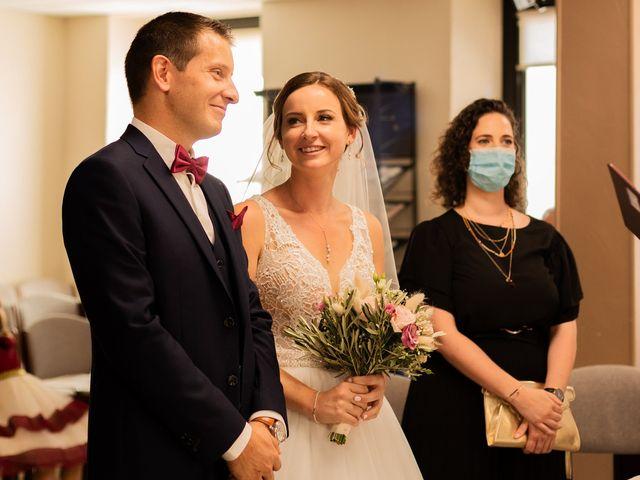 Le mariage de Cédric et Amandine à La Fare-les-Oliviers, Bouches-du-Rhône 27