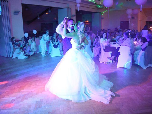 Le mariage de Kevin et Aurore à L'Abergement-Clémenciat, Ain 39