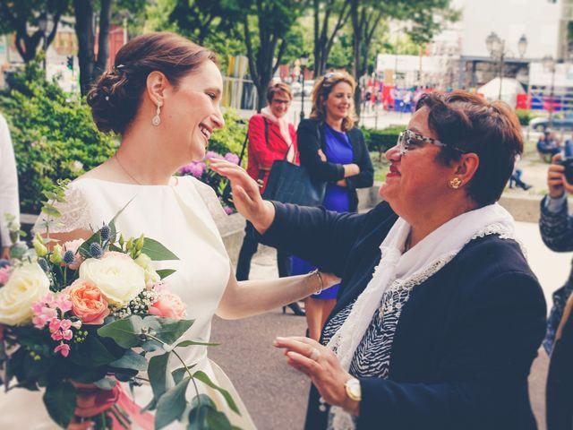 Le mariage de Ahmed et Elise à Champigny, Marne 21