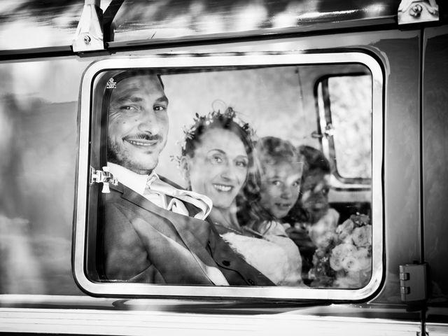 Le mariage de Grégory et Caroline à Rochefort-du-Gard, Gard 11