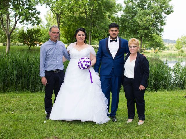 Le mariage de Zakaria et Adeline  à Saint-Paul-les-Fonts, Gard 16
