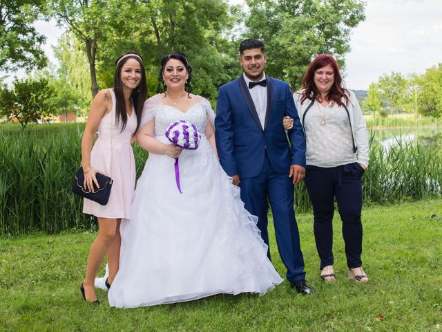 Le mariage de Zakaria et Adeline  à Saint-Paul-les-Fonts, Gard 17