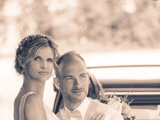 Le mariage de Adrien et Barbara à Maurepas, Yvelines 27