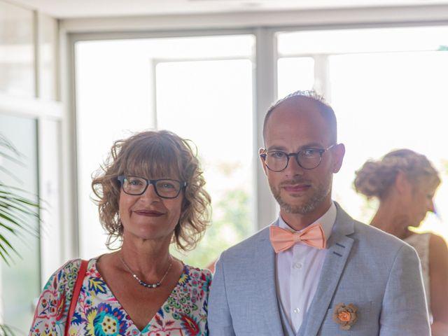 Le mariage de Adrien et Barbara à Maurepas, Yvelines 28