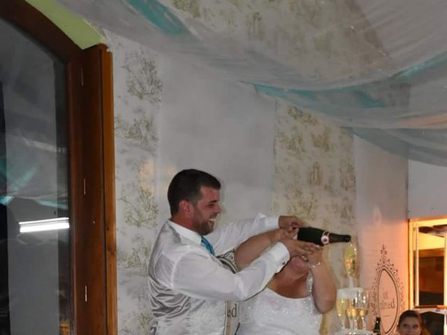 Le mariage de Florian et Laura à Crémieu, Isère 8