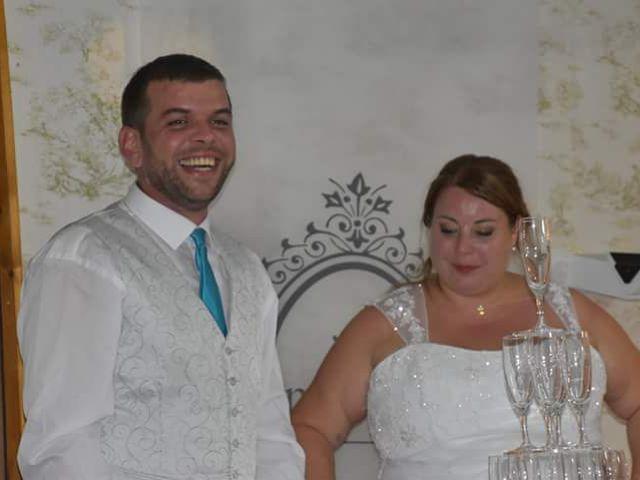 Le mariage de Florian et Laura à Crémieu, Isère 12