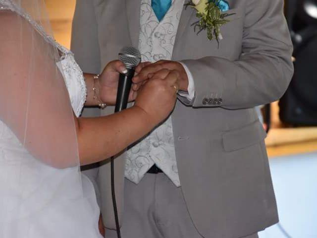 Le mariage de Florian et Laura à Crémieu, Isère 19