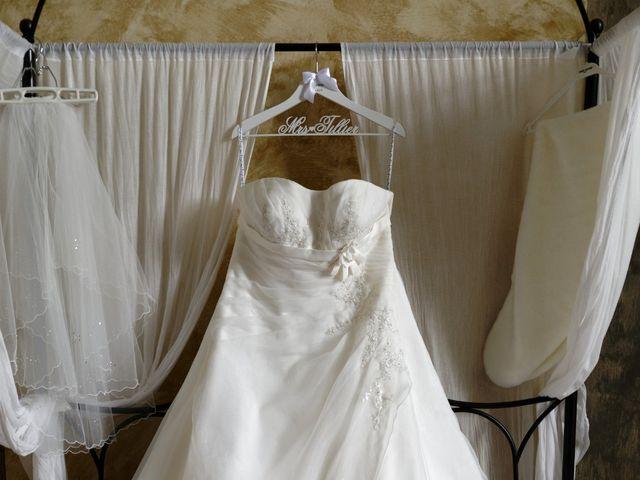 Le mariage de Julien et Ingrid à Les Aynans, Haute-Saône 3