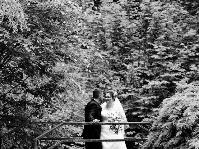Le mariage de Julien et Ingrid à Les Aynans, Haute-Saône 36