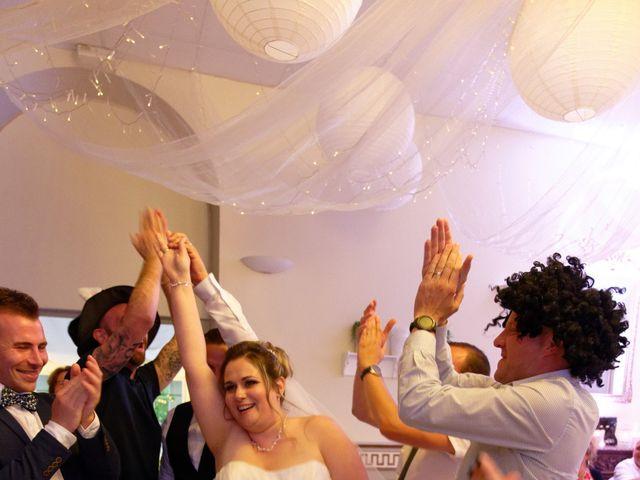 Le mariage de Julien et Ingrid à Les Aynans, Haute-Saône 65