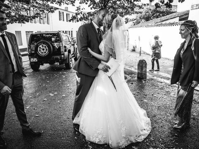 Le mariage de Loïc et Romy à La Flotte, Charente Maritime 23