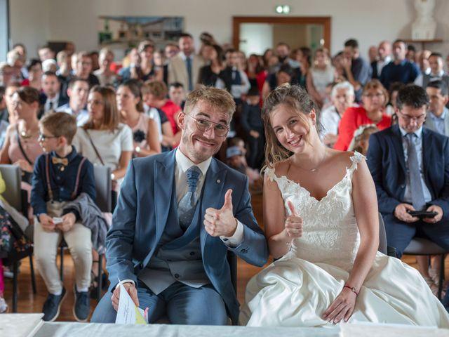Le mariage de Benjamin et Mélanie à Vouillé, Vienne 1