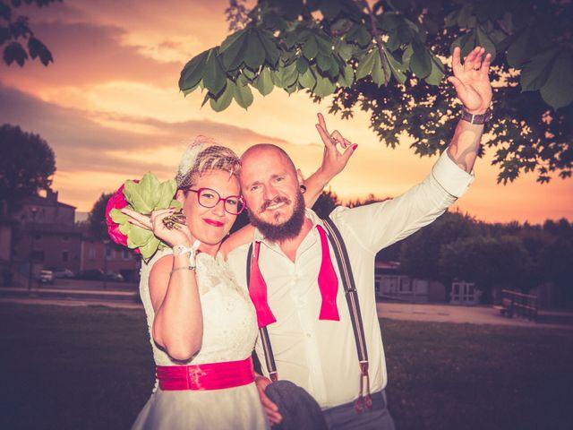 Le mariage de Olivier et Emilie à Montmeyran, Drôme 37