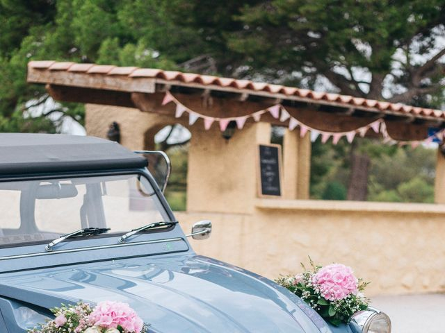 Le mariage de Thomas et Sophie à Capestang, Hérault 32