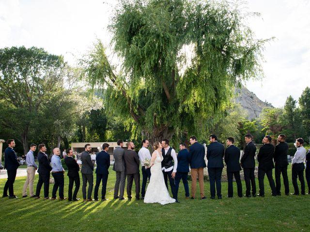 Le mariage de Pierre-Yves et Charline à Les Angles, Gard 35