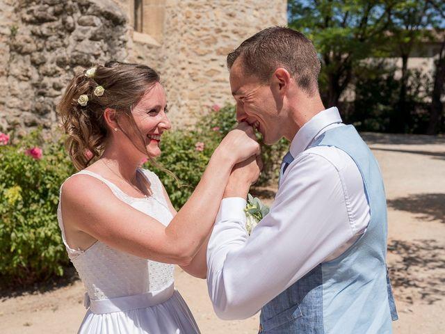 Le mariage de Tom et Marie Cécile à Sainte-Cécile-les-Vignes, Vaucluse 5