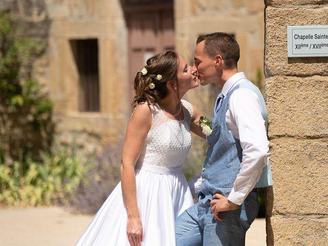 Le mariage de Tom et Marie Cécile à Sainte-Cécile-les-Vignes, Vaucluse 8