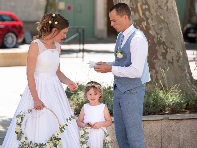 Le mariage de Tom et Marie Cécile à Sainte-Cécile-les-Vignes, Vaucluse 11
