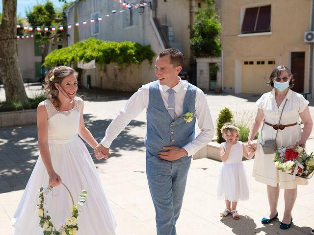 Le mariage de Tom et Marie Cécile à Sainte-Cécile-les-Vignes, Vaucluse 12