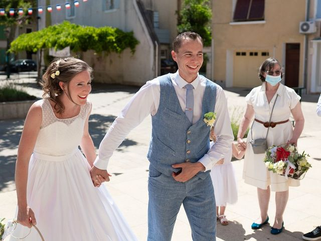 Le mariage de Tom et Marie Cécile à Sainte-Cécile-les-Vignes, Vaucluse 13