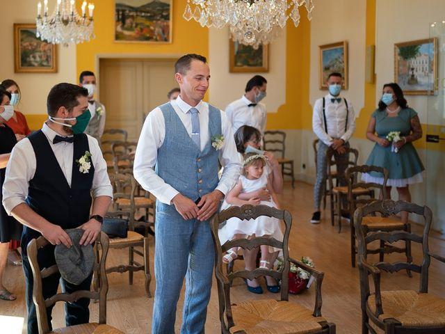 Le mariage de Tom et Marie Cécile à Sainte-Cécile-les-Vignes, Vaucluse 15