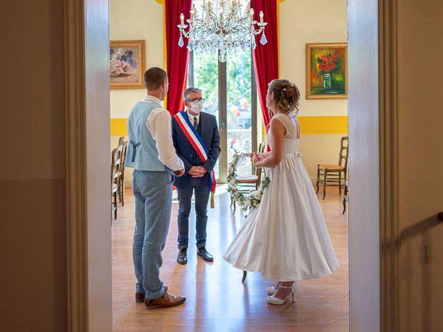 Le mariage de Tom et Marie Cécile à Sainte-Cécile-les-Vignes, Vaucluse 30