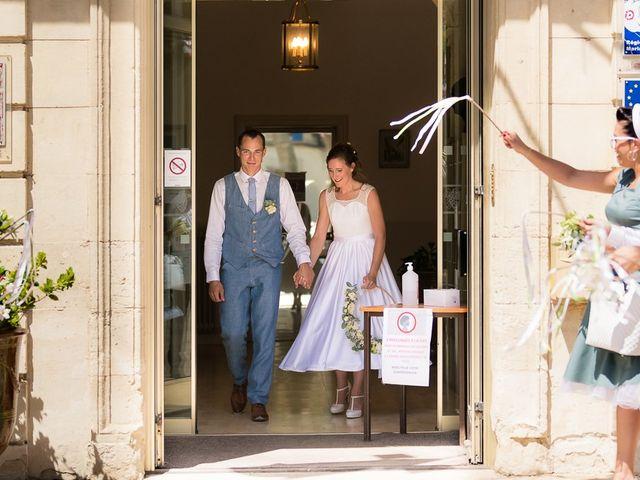 Le mariage de Tom et Marie Cécile à Sainte-Cécile-les-Vignes, Vaucluse 31