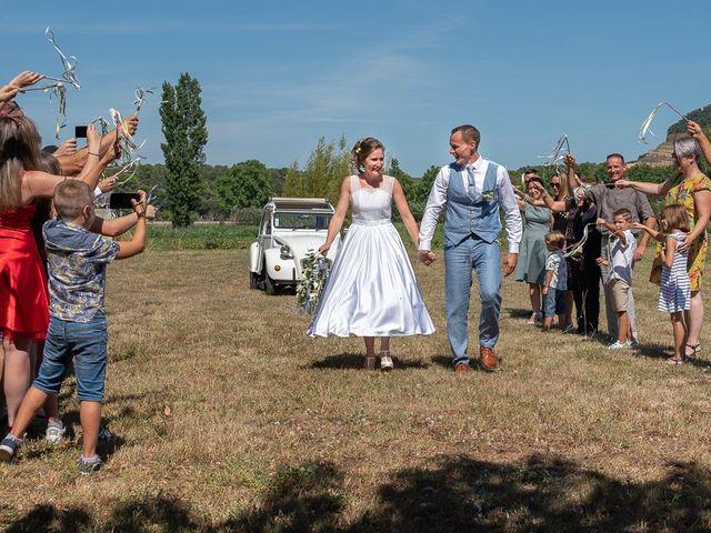 Le mariage de Tom et Marie Cécile à Sainte-Cécile-les-Vignes, Vaucluse 43