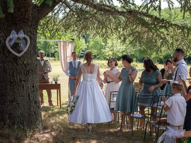 Le mariage de Tom et Marie Cécile à Sainte-Cécile-les-Vignes, Vaucluse 57