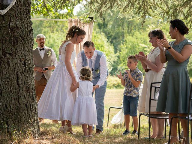 Le mariage de Tom et Marie Cécile à Sainte-Cécile-les-Vignes, Vaucluse 58