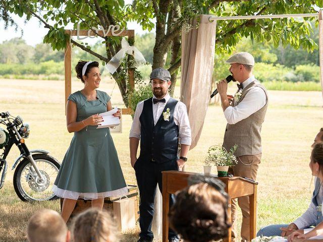 Le mariage de Tom et Marie Cécile à Sainte-Cécile-les-Vignes, Vaucluse 61