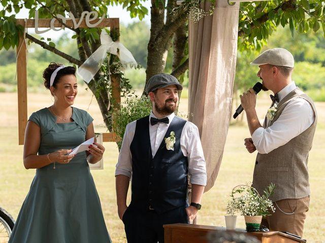 Le mariage de Tom et Marie Cécile à Sainte-Cécile-les-Vignes, Vaucluse 62