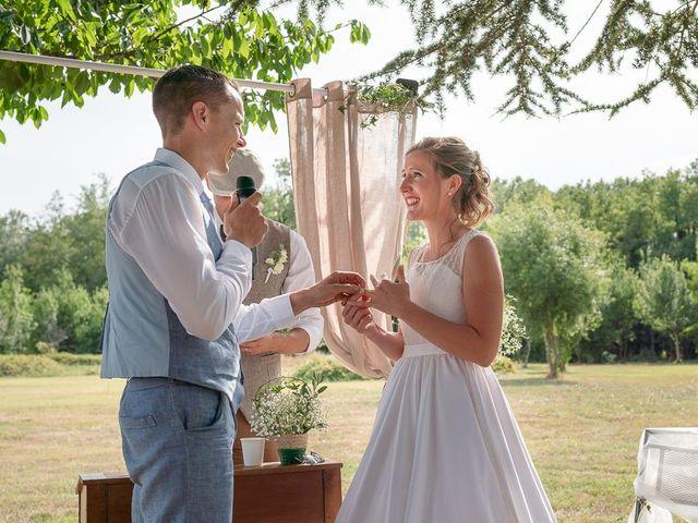 Le mariage de Tom et Marie Cécile à Sainte-Cécile-les-Vignes, Vaucluse 89
