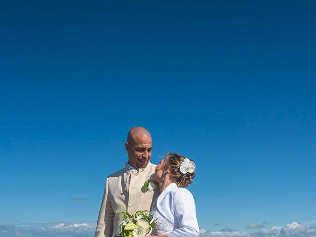 Le mariage de Alexandre et Laetitia à Saint-Jean-de-Monts, Vendée 30