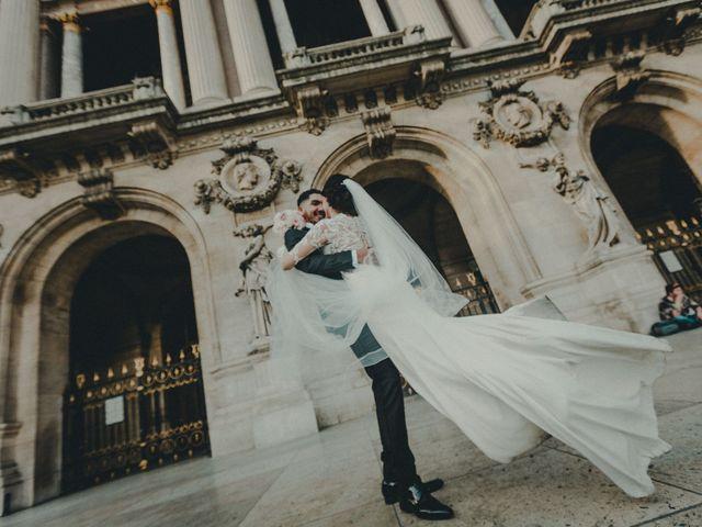 Le mariage de Mom et Lisa à Paris, Paris 1