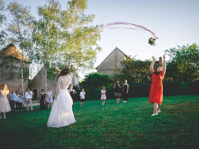 Le mariage de Christophe et Chloé à Saint-Ambroix, Cher 13