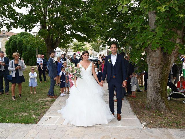 Le mariage de Pierre et Claire à Dompierre-sur-Mer, Charente Maritime 9