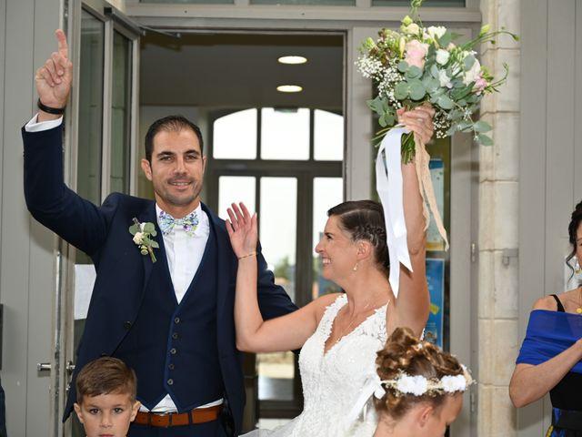 Le mariage de Pierre et Claire à Dompierre-sur-Mer, Charente Maritime 13