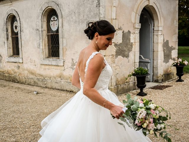Le mariage de Pierre et Claire à Dompierre-sur-Mer, Charente Maritime 1