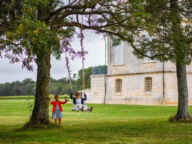 Le mariage de Pierre et Claire à Dompierre-sur-Mer, Charente Maritime 32