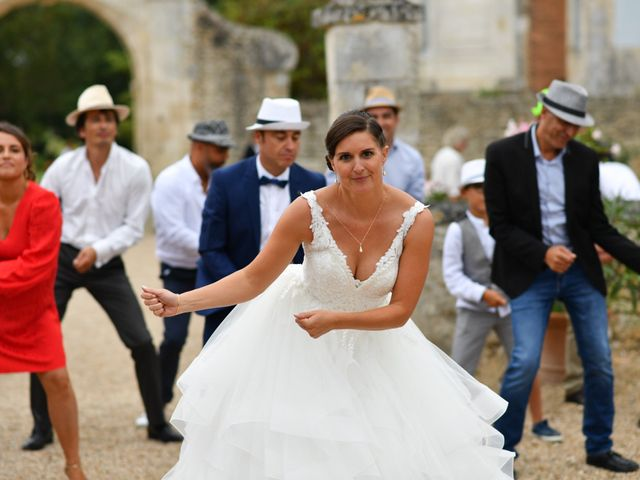 Le mariage de Pierre et Claire à Dompierre-sur-Mer, Charente Maritime 45