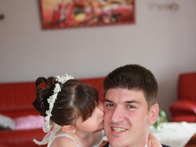 Le mariage de Jeremy et Sarah à Bessan, Hérault 8