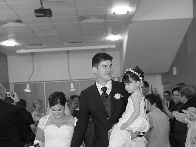 Le mariage de Jeremy et Sarah à Bessan, Hérault 21