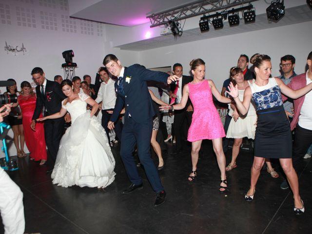 Le mariage de Jeremy et Sarah à Bessan, Hérault 59