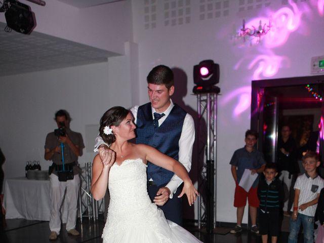Le mariage de Jeremy et Sarah à Bessan, Hérault 63