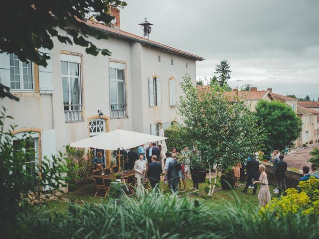 Le mariage de Ned et Laïla à Perreux, Loire 40