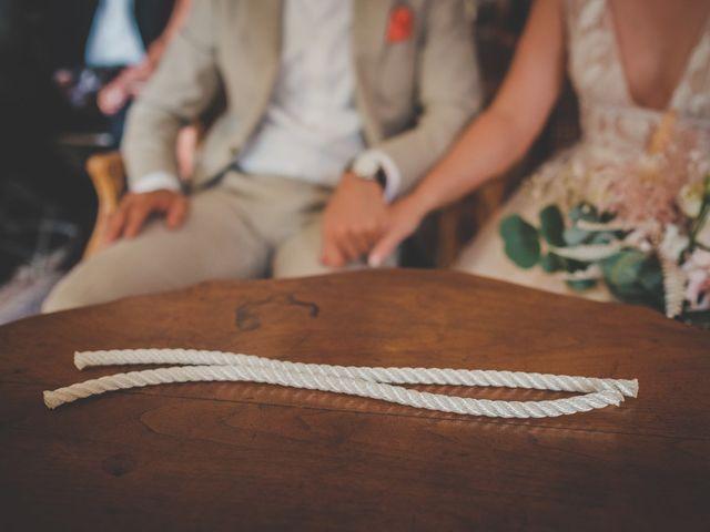 Le mariage de Ned et Laïla à Perreux, Loire 59