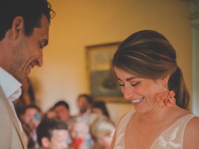 Le mariage de Ned et Laïla à Perreux, Loire 60